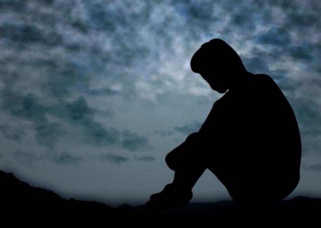 自閉症スペクトラム障害の父は鬱病です。暴力も振るい殺されそうに
